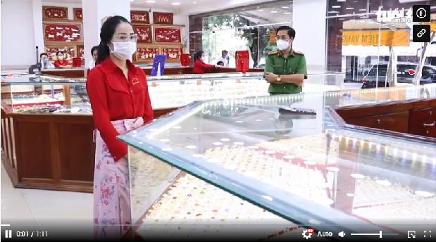 Video: Điều tra vụ nữ nhân viên tiệm vàng lớn ở Bình Phước trộm 2.380 nhẫn vàng