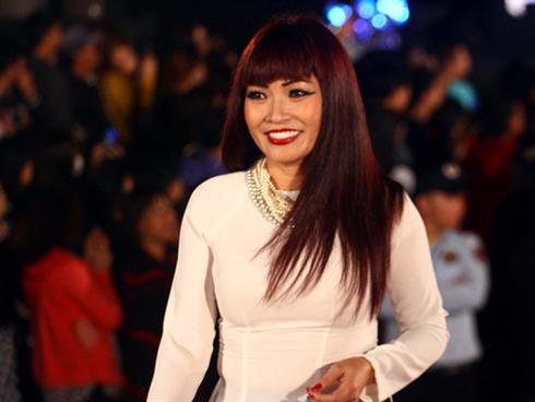 Showbiz Việt gặp hạn 'trăm năm có một', Phương Thanh phát ngôn gây sốc: 'Xin Tổ xuống tay chấn chỉnh lại danh từ Nghệ sĩ'