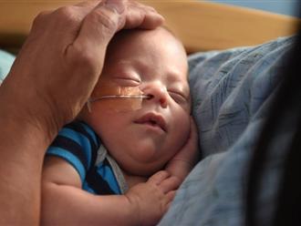 Nguyên tắc sống còn khi trẻ bị sốt