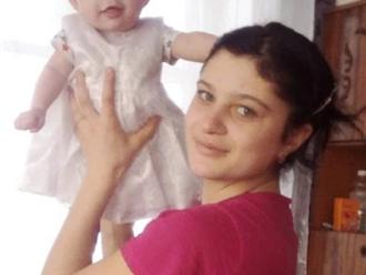 Bị bỏng nặng rồi thiệt mạng tức tưởi, bé gái 2 tuổi qua đời vì sai lầm đáng lên án của bố mẹ ruột