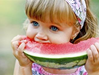 """6 loại quả người lớn """"thích mê"""" nhưng chớ nên cho bé ăn nhiều"""
